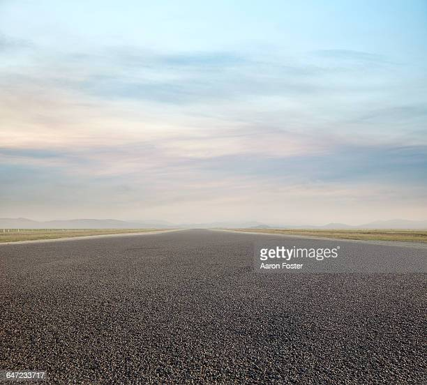 tarmac runway - airport runway stock pictures, royalty-free photos & images