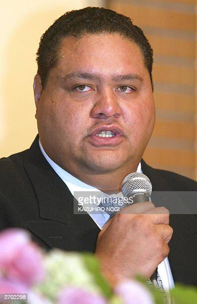 Taro Akebono Japan's first foreignborn sumo grand champion speaks to reporters during a news conference at a hotel in Tokyo 06 November 2003 The...