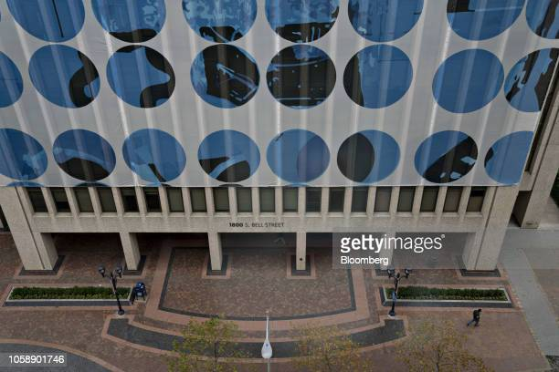 A tarp drapes the 1800 S Bell Street building in the Crystal City area of Arlington Virginia US on Wednesday Nov 7 2018 Seattlebased Amazon Inc is...