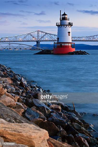 tarrytown lighthouse and tappan zee bridge - tarrytown stock photos and pictures