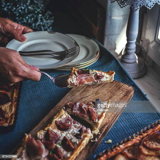 Tart with Figs and Mascarpone Cheese Served with Honey