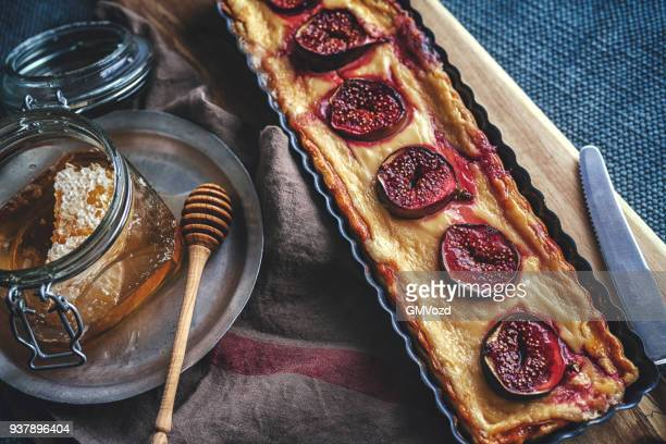 Tart with Figs, Cream Cheese and Honey