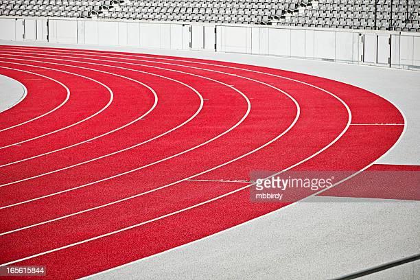 Tartan corriendo pista de deporte