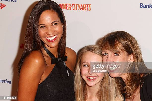 Taryn Cox Lily Rosenthal and Monica Rosenthal arrive to the InnerCity Arts' 2010 Imagine Gala at The Beverly Hilton hotel on November 4 2010 in...