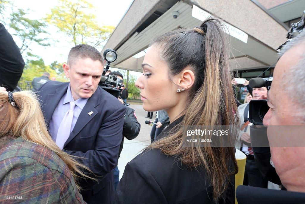 Marco Muzzo's Fiancée Taryn Hampton Outside Courthouse : ニュース写真