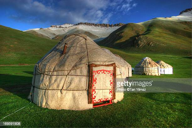 tash rabat yurts - kyrgyzstan stock pictures, royalty-free photos & images