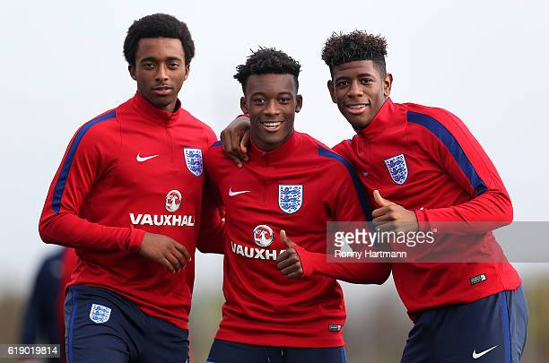 Tashan OakleyBoothe Callum HudsonOdoi and Jonathan Panzo of England pose during the U17 England Training Session at Football Centre FRF on October 29...