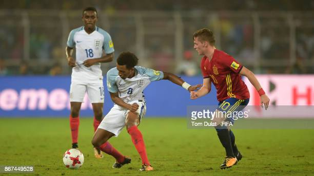 Tashan OakleyBoothe of England and Sergio Gomez of Spain in action during the FIFA U17 World Cup India 2017 Final match between England and Spain at...