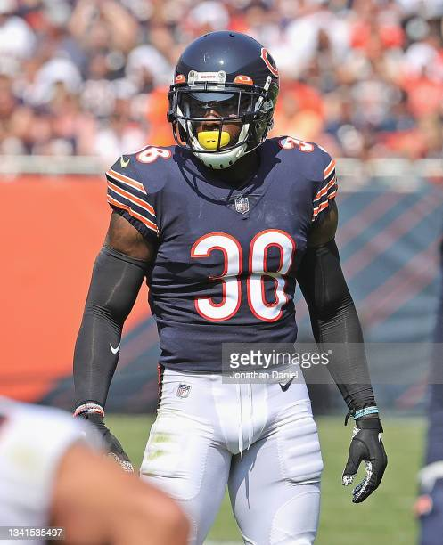 Tashaun Gipson of the Chicago Bears awaits the snap against the Cincinnati Bengals at Soldier Field on September 19, 2021 in Chicago, Illinois. The...