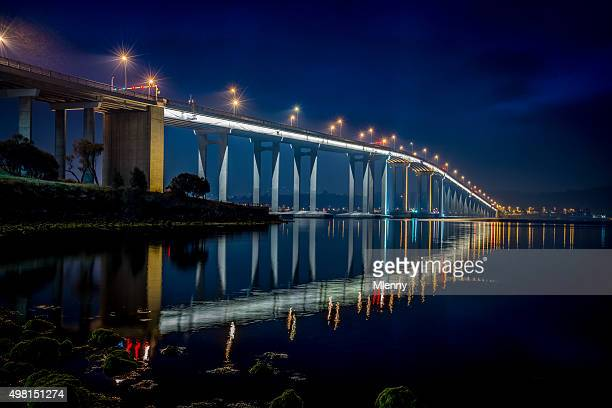 tasman bridge hobart at night tasmania australia - hobart tasmania stock pictures, royalty-free photos & images