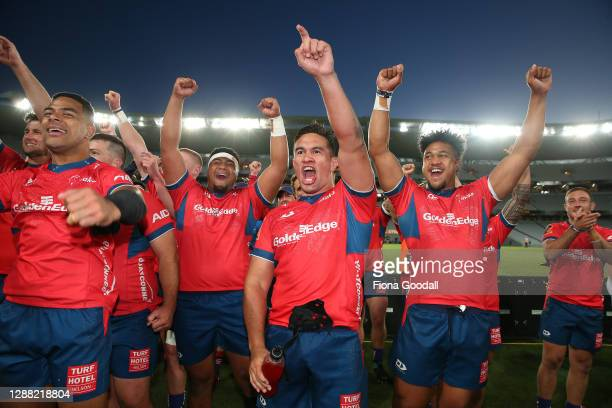 Tasman players celebrate during the Mitre 10 Cup Final between Auckland and Tasman at Eden Park on November 28, 2020 in Auckland, New Zealand.