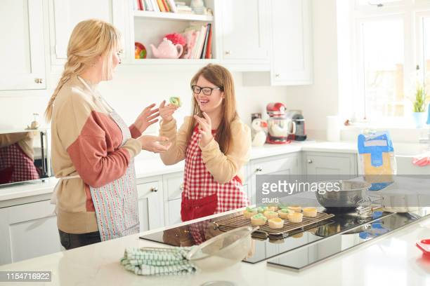 tasting session for mum - electric stove burner stock pictures, royalty-free photos & images