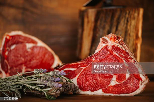 leckeres black angus american rib-eye steak - knackiger po stock-fotos und bilder