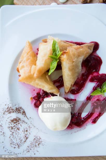 Leckeres Dessert mit Eis