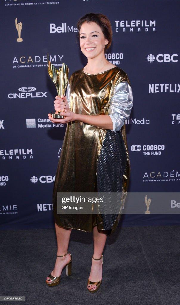 Tatiana Maslany Poses In The Press Room At The 2018 Canadian Screen