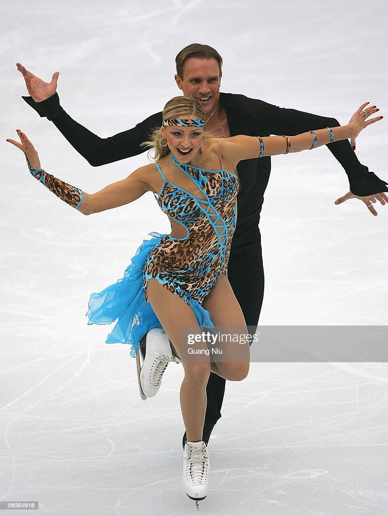 Tatiana Navka and Roman Kostomarov of Russia in action during the 2005 China Figure Skating Championship for the ice dancing at Capital Gymnasium on November 4, 2005 in Beijing, China.
