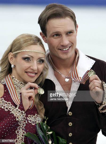 Tatiana Navka and Roman Kostomarov of Russia win Gold during the ice dancing free dance at the ISU World Figure Skating Championships at the Lunzhiki...