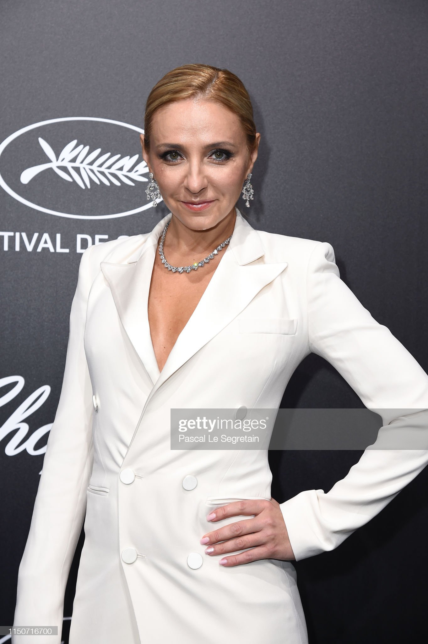 Светская и частная жизнь. 2018, 2019 год - Страница 13 Tatiana-navka-attends-the-official-trophee-chopard-dinner-photocall-picture-id1150716700?s=2048x2048