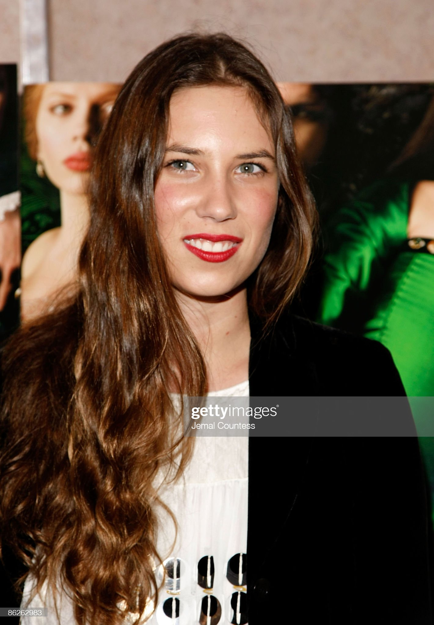 """Private Screening of """"The Other Boleyn Girl"""" - Red Carpet : News Photo"""