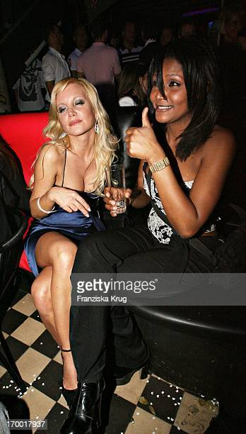 "Tatjana Gsell With A friend Irina At the after-show party in the Kit Kat Club after the premiere of ""Basic Instinct 2"" In Berlin On 220306."