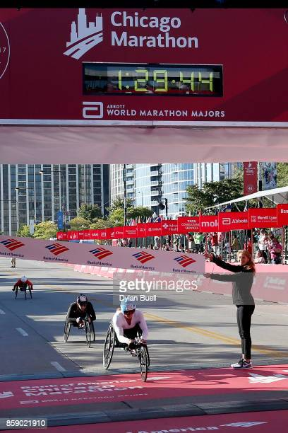 Tatyana McFadden of the United States wins the women's wheelchair race with a time of 13915 during the Bank of America Chicago Marathon on October 8...