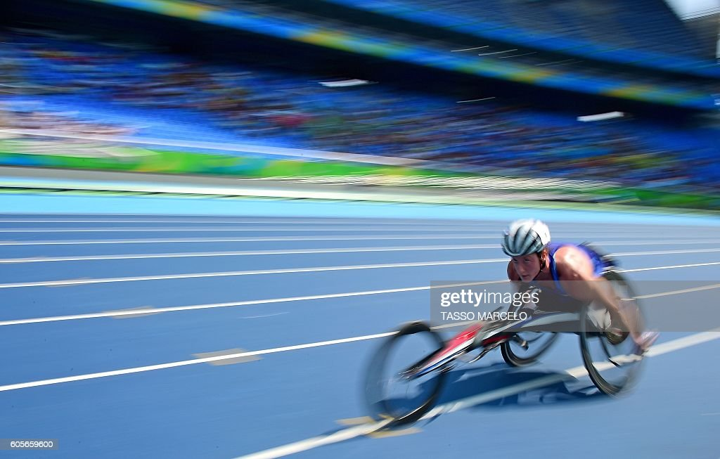 Tatyana McFadden scores a record in the category Women's 5000m - T54 at Engenhao Stadium during the Paralympic Games in Rio de Janeiro, Brazil, on September 14, 2016. / AFP / TASSO