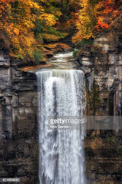 taughannock falls is located in ulysses in the mountain at watkins glen state park of new york state. ,at time during fall - finger lakes stock pictures, royalty-free photos & images