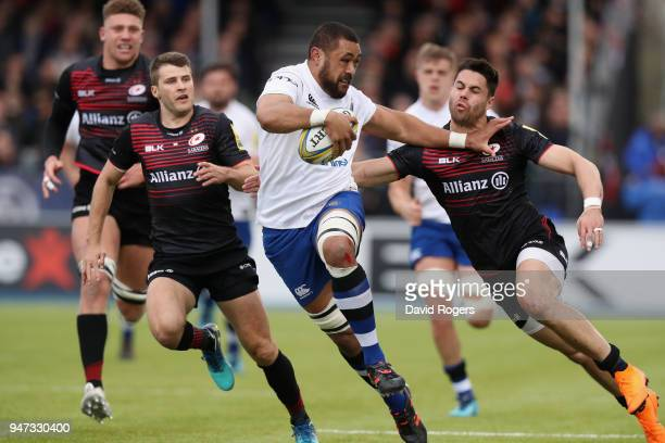 Taulupe Faletau of Bath charges upfield during the Aviva Premiership match between Saracens and Bath Rugby at Allianz Park on April 15 2018 in Barnet...