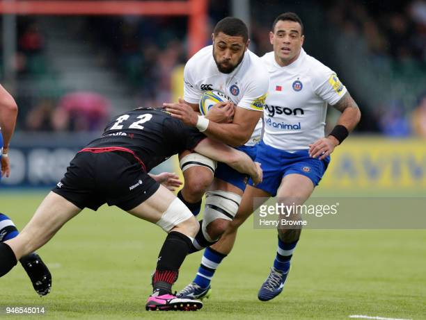 Taulupe Faletau of Bath tackled by Duncan Taylor of Saracens during the Aviva Premiership match between Saracens and Bath Rugby at Allianz Park on...