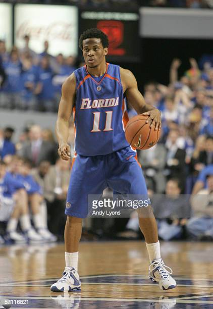 Taurean Green of the Florida Gators dribbles during the game against the Kentucky Wildcats on March 5 2005 at Rupp Arena in Lexington Kentucky The...