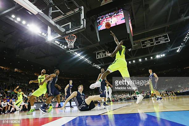 Taurean Prince of the Baylor Bears shoots the ball in the first half against the Yale Bulldogs during the first round of the 2016 NCAA Men's...