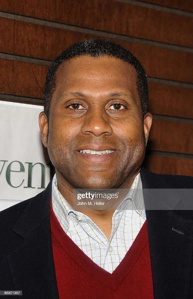 "Tavis Smiley Book Signing For ""Accountable"""