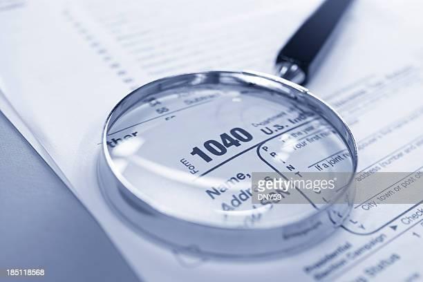 impostos de auditoria - 1040 tax form - fotografias e filmes do acervo