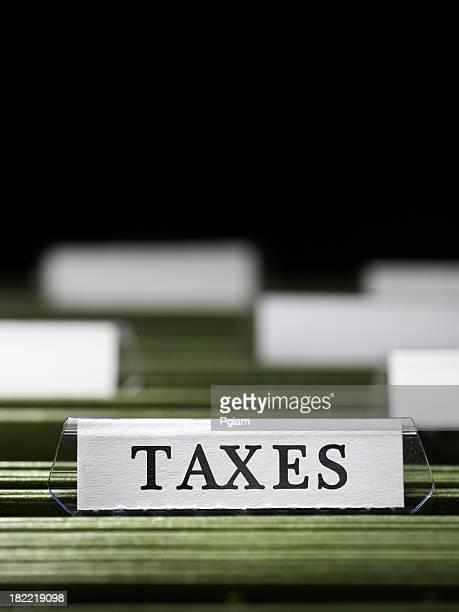 Impuestos archivo en un armario
