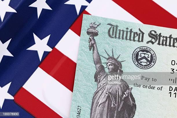 irs reembolso fiscal check - devolver - fotografias e filmes do acervo