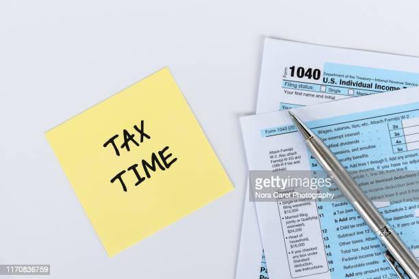 tax time - ora legale foto e immagini stock