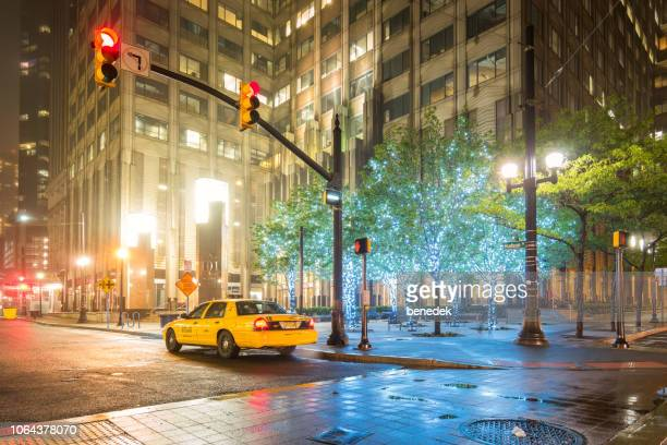 taxi at exchange place in jersey city new jersey usa - jersey city foto e immagini stock
