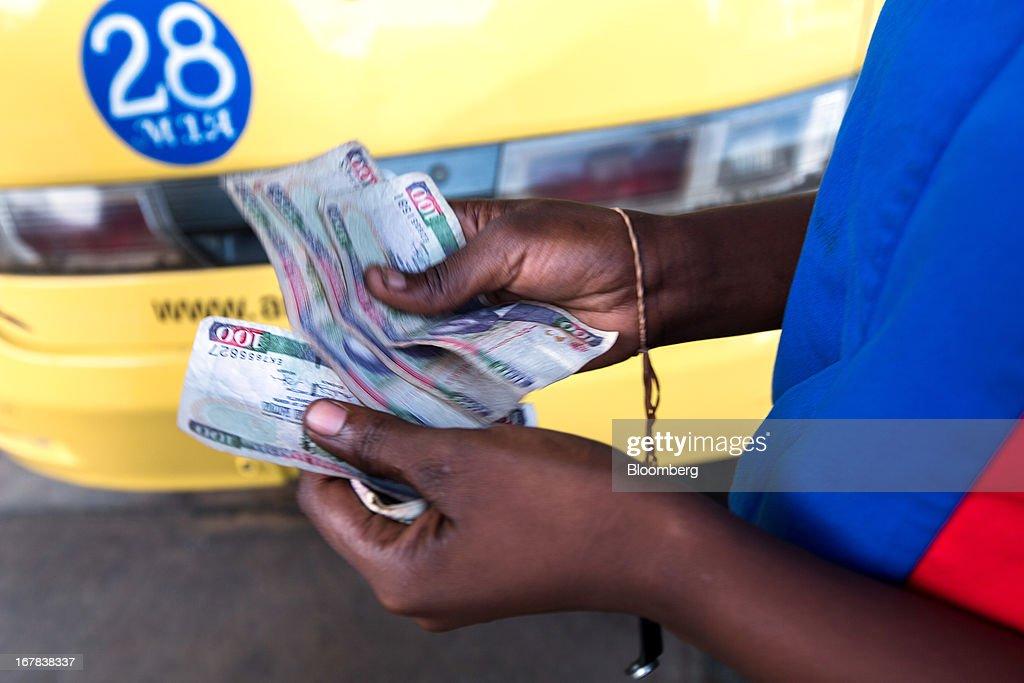 Kenyan Schilling Bank Notes : News Photo
