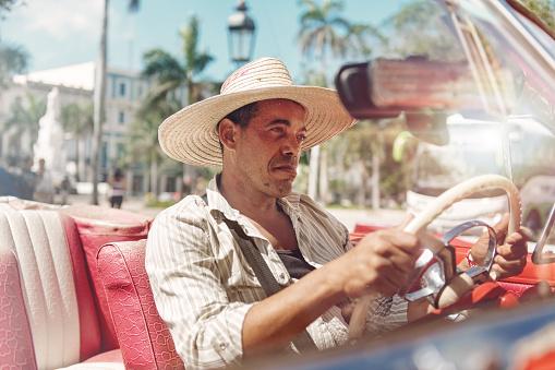 Taxi driver in Cuba - gettyimageskorea