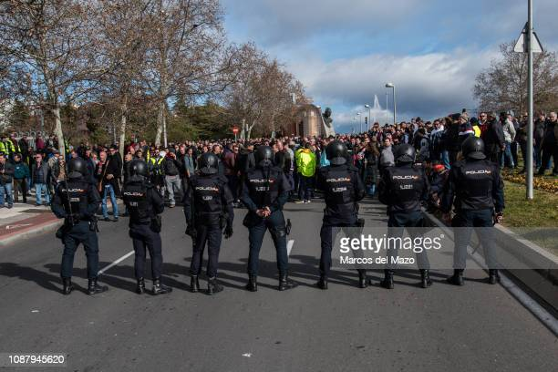Taxi drivers protesting against transport services such as Uber and Cabify as tourism exhibition FITUR takes place in IFEMA Taxi drivers are on...