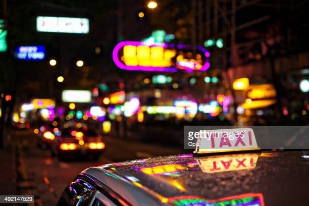 タクシーの赤信号地区 - 歓楽街 ストックフォトと画像