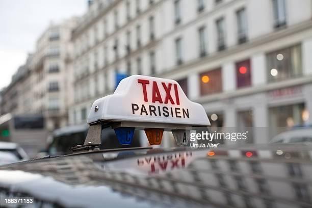 Taxi sign in Paris