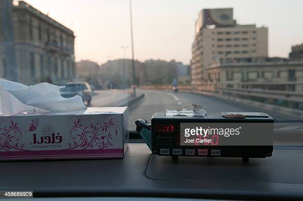 kairo ein taxi - kairo stock-fotos und bilder