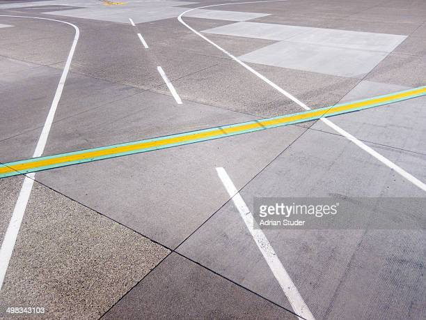 Taxiway Markings