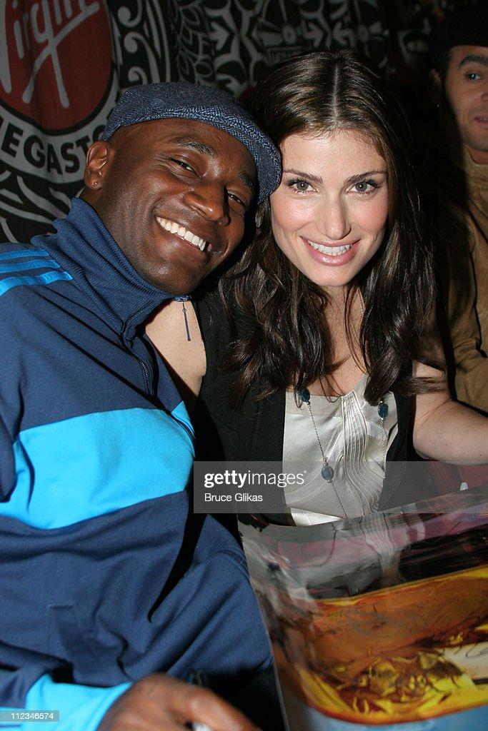 Taye Diggs and Idina Menzel