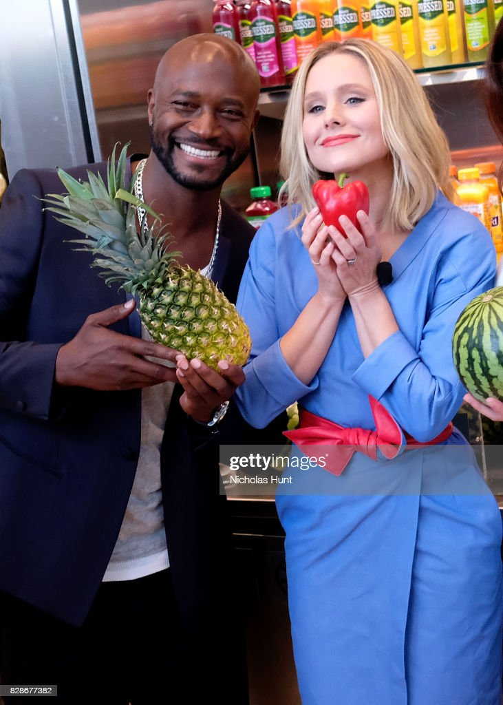 Taye Diggs and Kristen Bell attends the 2017 #DrinkGoodDoGood Campaign Launch at Little River on August 9, 2017 in New York City.