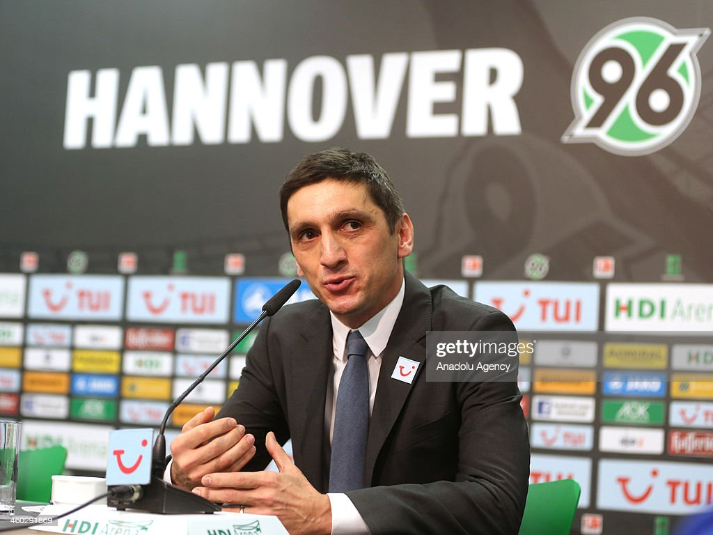 Turkish new coach of Hannover 96 : News Photo