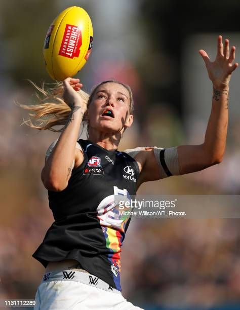 Tayla Harris of the Blues in action during the 2019 NAB AFLW Round 07 match between the Western Bulldogs and the Carlton Blues at VU Whitten Oval on...