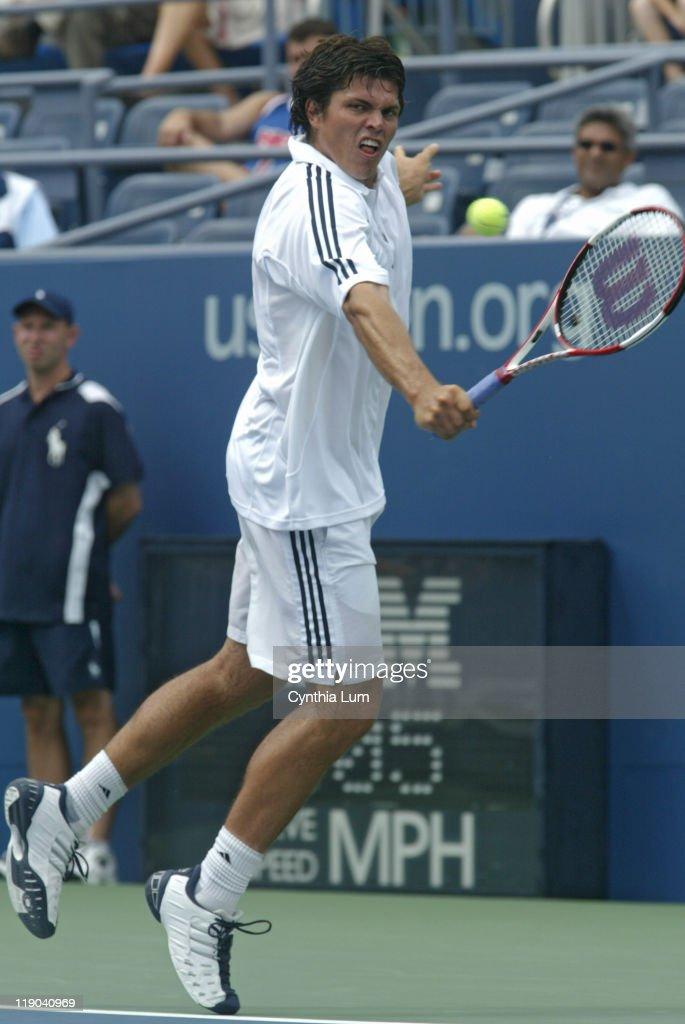 2005 US Open - Men's Singles - First Round - Taylor Dent vs Lars Burgsmuller