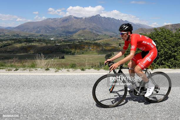 Taylor Gunman of Auckland Kia Motors Ascot Park Hotel makes the climb up to Coronet Peak during stage 3 from Mossburn to Coronet Peak during the 2017...
